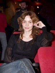 Óscar Aibar graba la tv-movie 'Rumores', con Ana Risueño y Xavi Mira