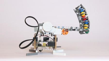 BrickPi permite hacer robots con Lego y la Raspberry Pi
