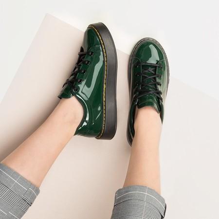 ¡Alerta tendencia! Nuestras sneakers también se visten de gala con la nueva moda sporty charol