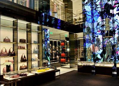 Gucci renueva su mítica tienda de Rodeo Drive en Beverly Hills ofreciendo un cóctel