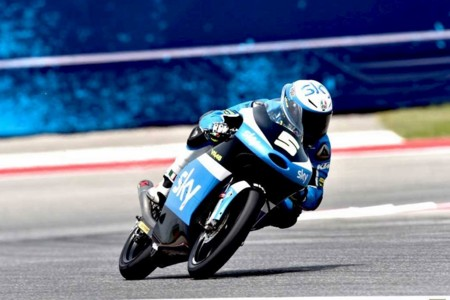 Impecable y rotunda, victoria de Romano Fenati en Moto3 doblegando a Jorge Navarro