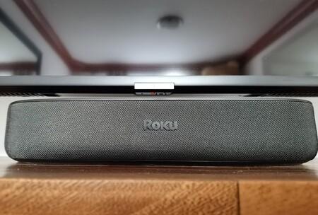 """Roku Streambar, la hemos probado: una barra """"diminuta"""" para resucitar a tu pantalla que le faltan graves y streaming"""