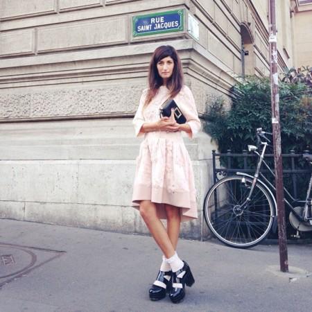 Valentina Siragusa con zapatos track sole Semana de la moda de Paris