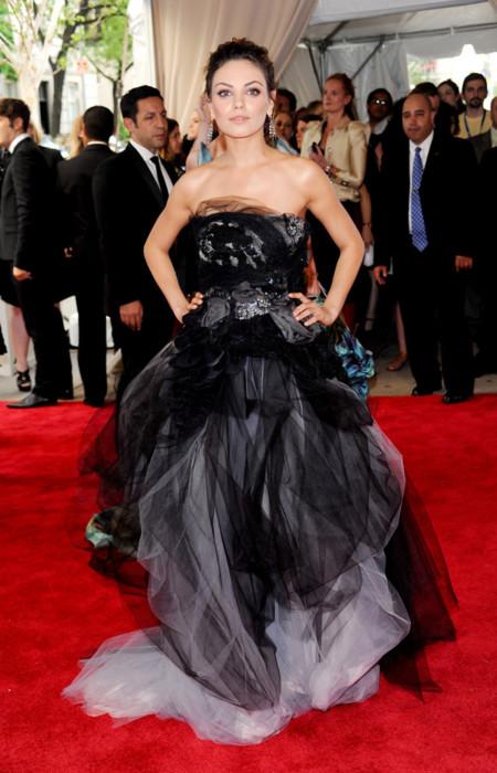 Peores looks peor vestidas Costume Insitute MET Gala Mila Kunis Vera Wang