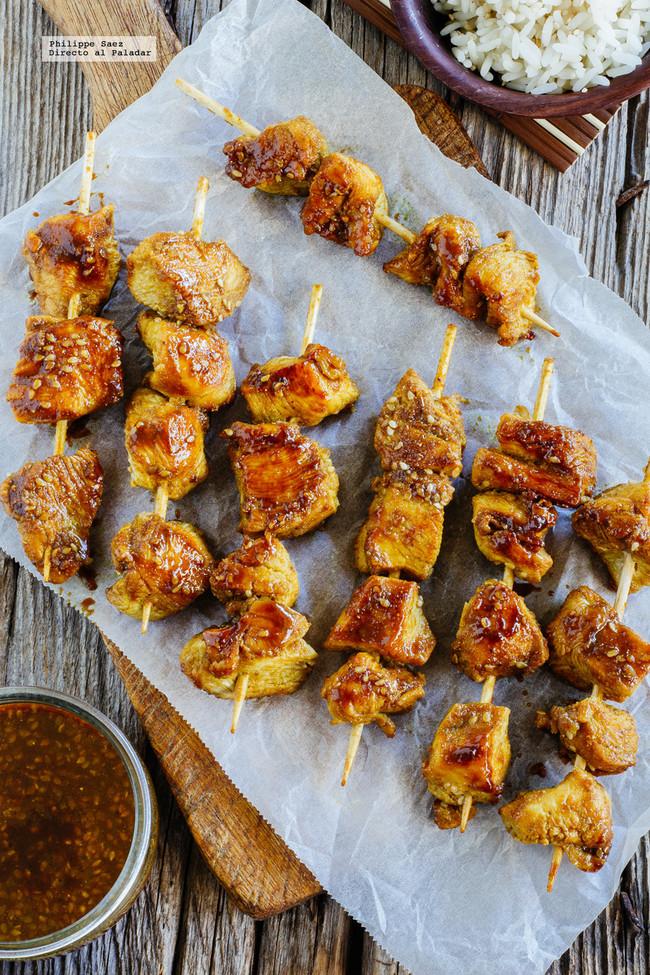 Brochetas de pollo estilo Satay: receta para el picoteo