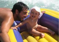 La foto de tu bebé: Inés en su barca con papá