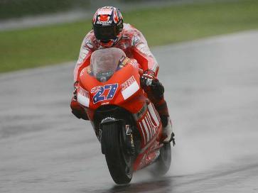 Casey Stoner renovado hasta 2008 por Ducati