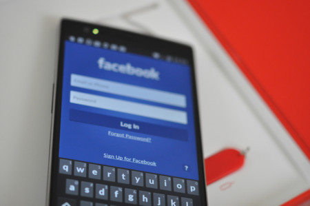 Facebook merma el rendimiento de smartphones Android