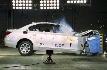 BMW Serie 5 - EuroNCAP frontal