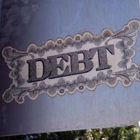 La morosidad bancaria vuelve a caer, aunque sigue en valores muy elevados