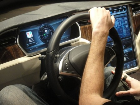 El Tesla Model III se acercará a la conducción autónoma