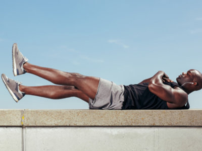 Guía Crossfit (XXXVIII): flutter kicks o aleteo de piernas