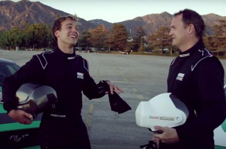 Castrol elige a un par de Mustangs como sistemas de control para su realidad virtual