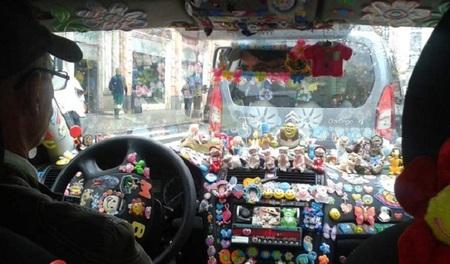 Un taxista ofrece sus servicios gratis a niños con cáncer y familias sin recursos