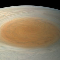 """La Gran Mancha de Júpiter es roja cuando """"debería"""" ser blanca y se están bombardeando protones para saber por qué"""
