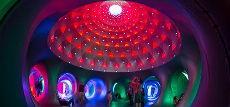 """Navidad en Madrid: """"Katena"""", una gran escultura visitable hecha de color, geometría y luz"""