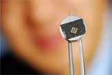 Chip para generar energía con el movimiento
