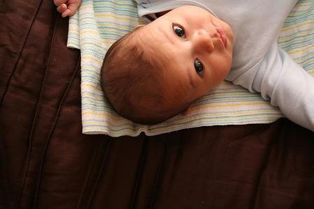 Cambiar el pañal al bebé fuera de casa, ¿qué tener en cuenta?
