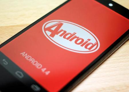 Moto X empieza a recibir su ración de Android KitKat en México