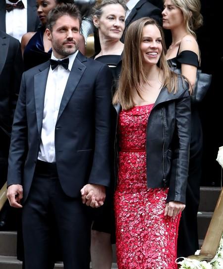 Hilary Swank se ha casado en medio del bosque y la boda no puede ser más romántica
