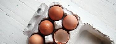 En qué se diferencian los huevos de gallinas camperas y las criadas en suelo (y cómo interpretar sus códigos)