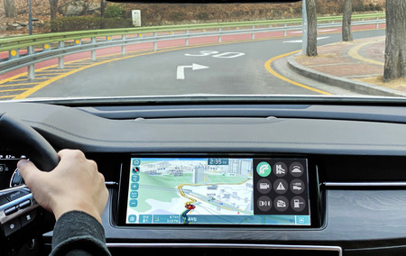 Olvídate de cambiar la marcha, gracias a Hyundai y KIA tu auto lo hará sólo según el entorno