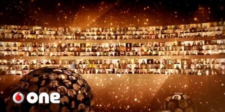Así suenan 8.000 personas cantando a la vez en un coro virtual