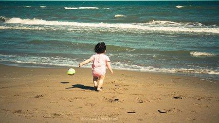 La foto de tu bebé: María disfruta de la playa