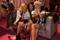 Martha Hunt, Shanina Shaik y Devon Windsor
