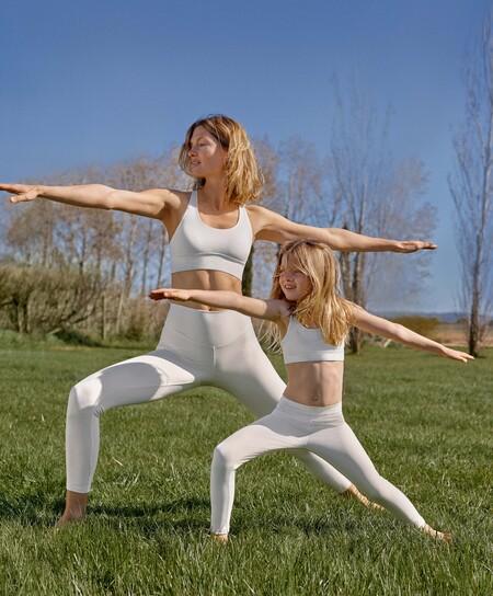 Oysho lanza la primera colección de deporte de niñas para entrenar con mamá