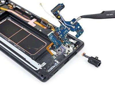 El Galaxy Note 8 no se deja reparar fácilmente: 4 sobre 10 en la escala de reparabilidad de iFixit