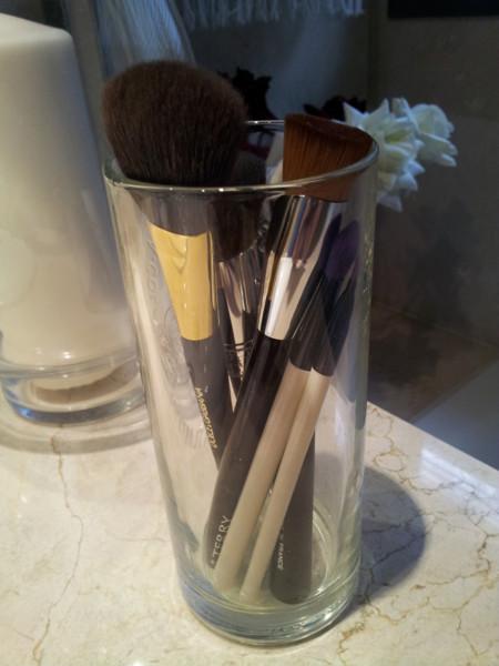 Trucos para limpiar bien pinceles y brochas