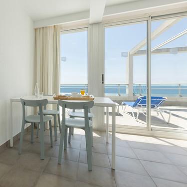 Las tres claves del estilo decorativo del hotel Blaumar en Salou para lograr un ambiente mediterráneo