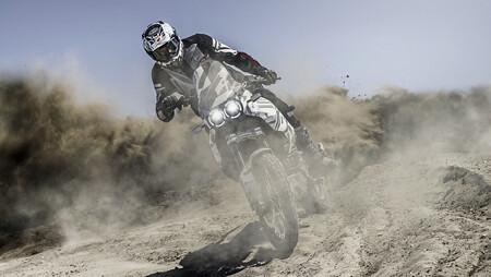 Ducati DesertX: la moto más aventurera de Borgo Panigale que montará el motor Testastretta de 937 cc, ya tiene fecha de lanzamiento
