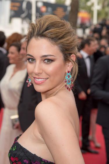 ¡Blanca Suárez pisa alfombra roja! Cannes 2015 la recibe (radiante) con un vestido poco favorecedor