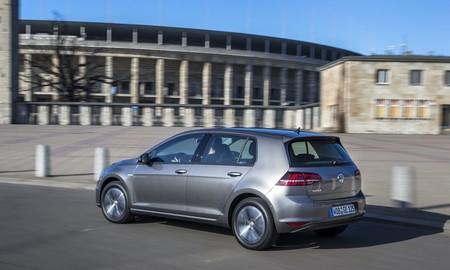 Volkswagen e-Golf gris 06