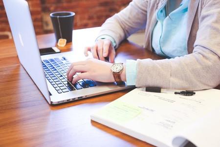 ¿Pasan los niños muchas horas delante del ordenador? Controlar su uso es muy fácil siguiendo estos pasos