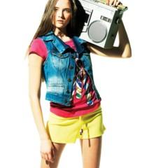 Foto 13 de 22 de la galería bershka-lookbook-de-abril-primavera-2011-mas-color-en-las-tiendas en Trendencias