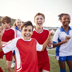 Los adolescentes pueden crecer a cinco velocidades distintas y todas son normales