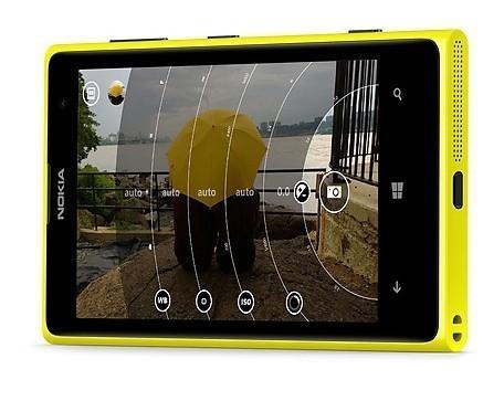 Nuevo anuncio del Nokia Lumia 1020, esta vez accedemos a sus entrañas