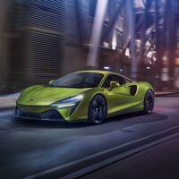 McLaren Artura: el bestial híbrido enchufable que estrena el nuevo motor V6 llega con 677 CV y neumáticos conectados