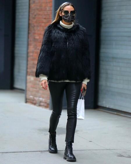 Con leggings de efecto piel y chaqueta de pelo: copiamos el último look de Olivia Palermo con prendas de rebajas