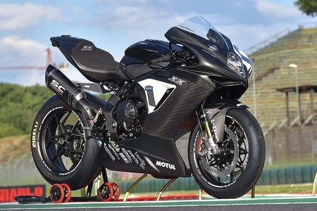 ¡Delicia al carbono! Genes de carreras y 160 CV, 145 kg en seco para MV Agusta F3 800 XX 2019