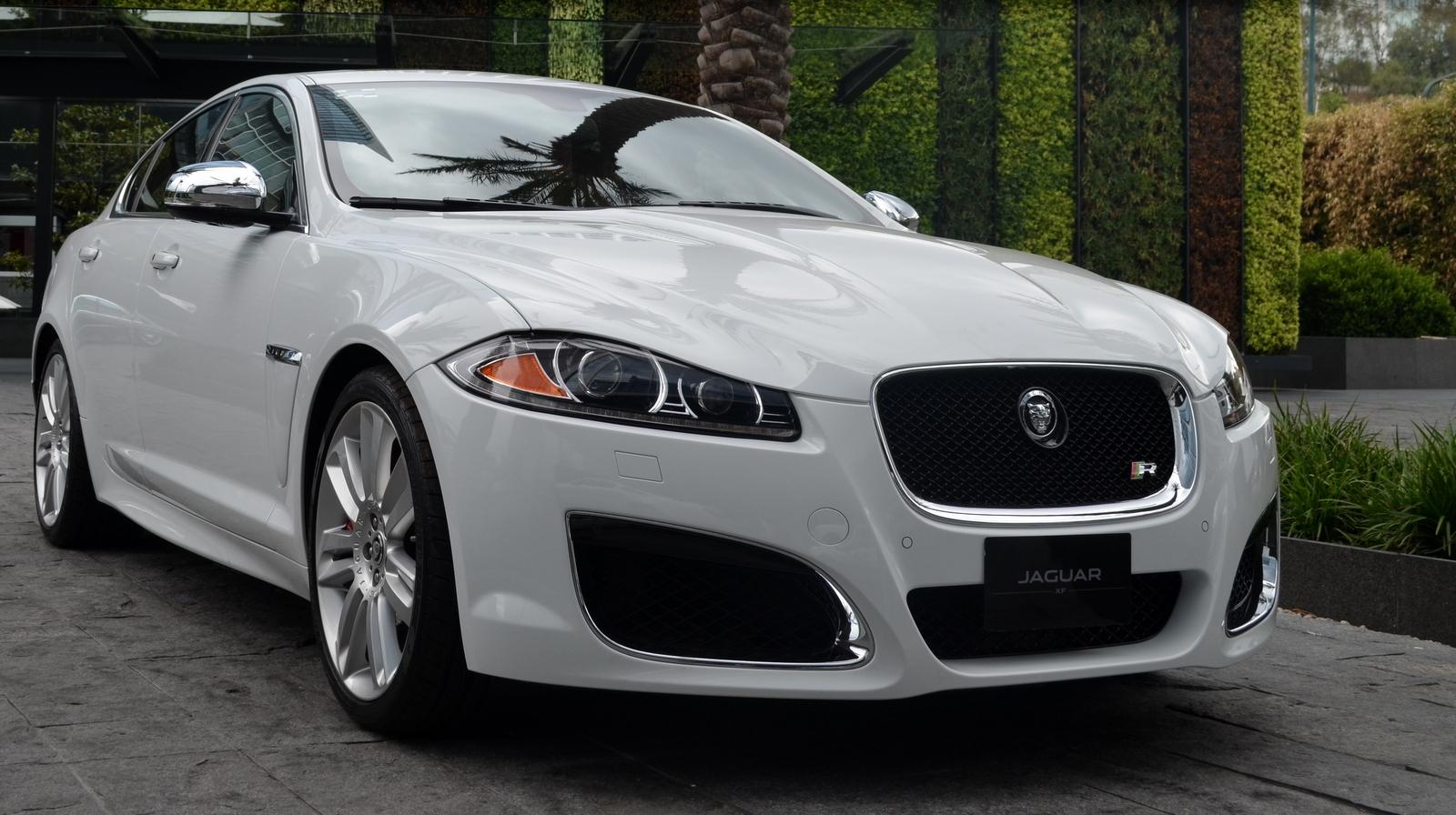 Jaguar Land Rover >> Jaguar Land Rover Financial Services (10/11)
