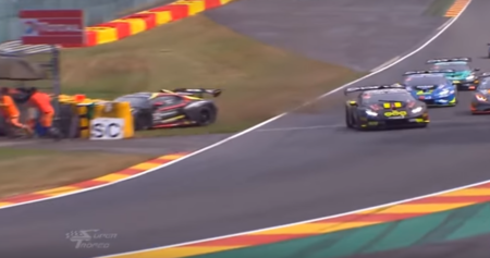 Escalofriante accidente en el Lamborghini Supertrofeo en Spa-Francorchamps