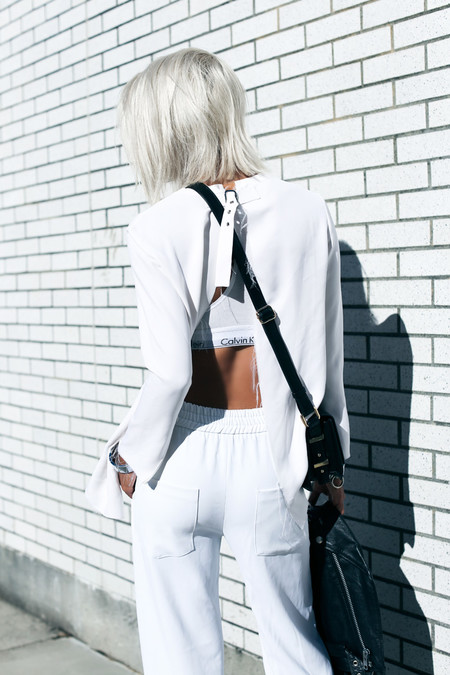lenceria street style enseñar ropa interior sujetador encaje