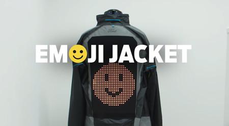 Una chaqueta con Emojis: la idea de Ford para prevenir los accidentes entre ciclistas y conductores