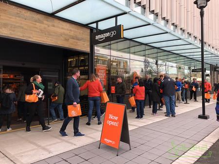 ba55b11f4 Amazon toma impulso y abre su segunda tienda Amazon GO en una semana,  siendo la más grande hasta la fecha