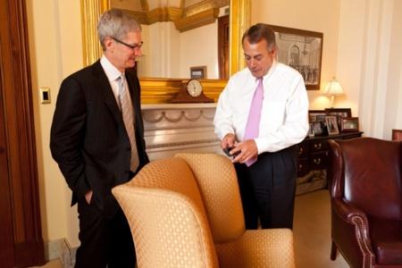 Tim Cook visita el Capitolio abriendo nuevas vías de comunicación entre el gobierno de los Estados Unidos y Apple