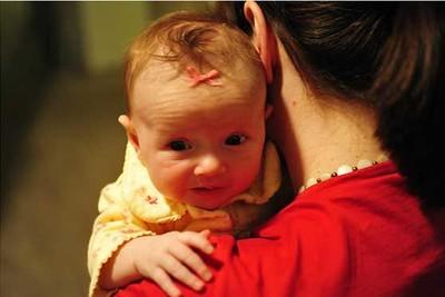Cuidados del recién nacido: echar los gases